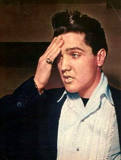 Elvis in march 22 1960 at the Fountainbleau Hotel in Miami.