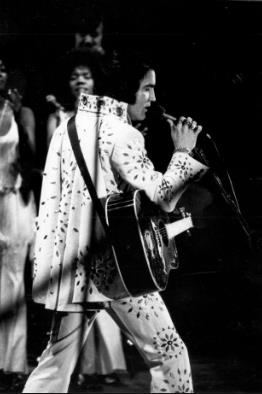 April 18 Events Today In Elvis Presley History
